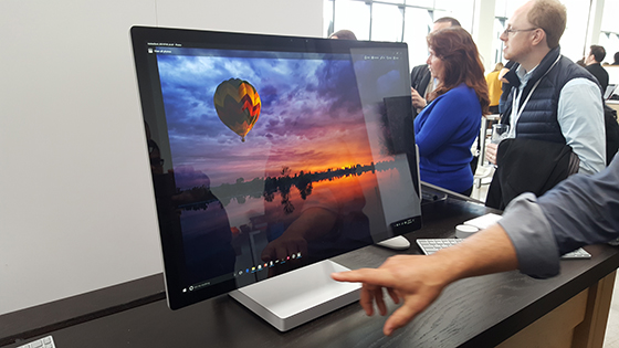 Microsoft Surface Studio.